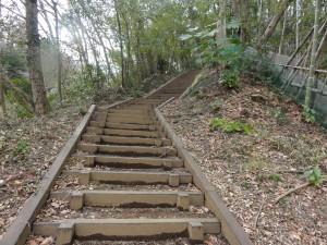 八王子城の北条氏照墓への階段