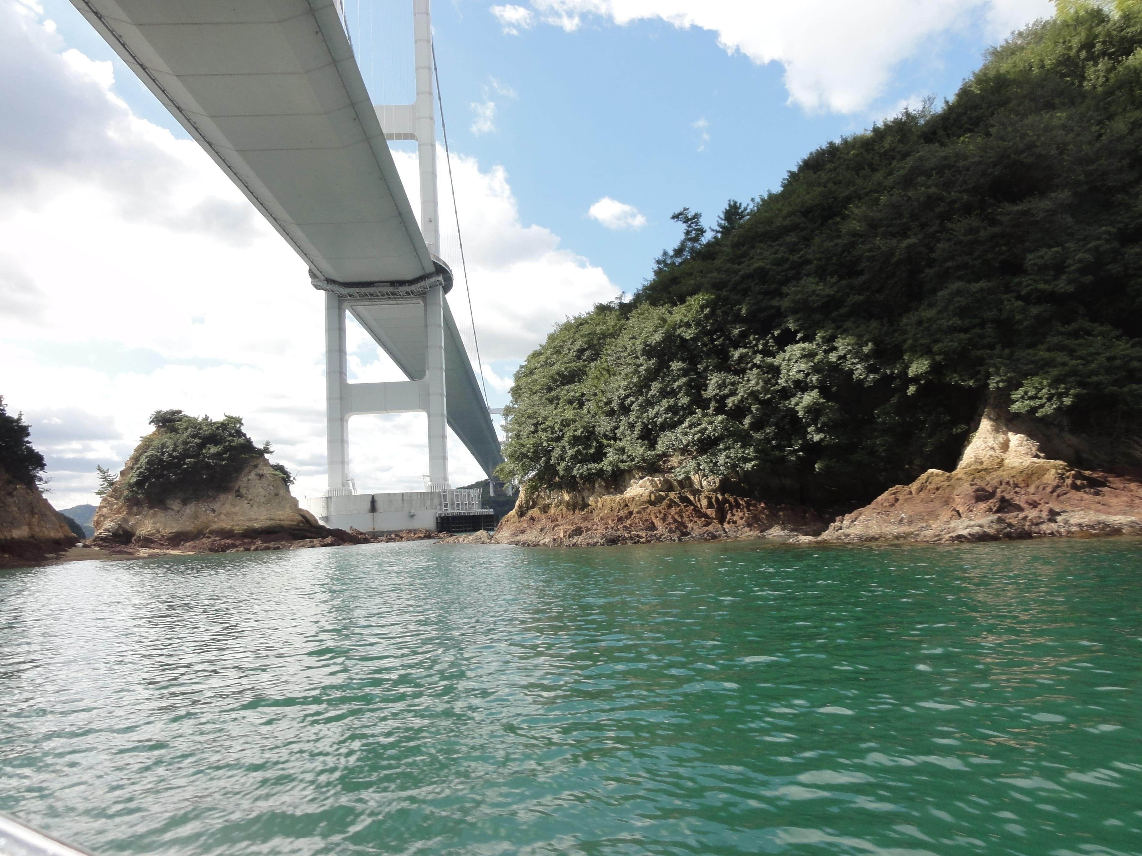来島海峡大橋の下2