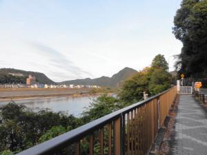 桃太郎神社へ行く道