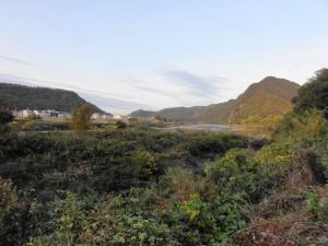 桃太郎神社へ行く道で見える山々