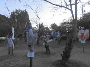 桃太郎神社-案山子「ここに鳥は来ないわ」