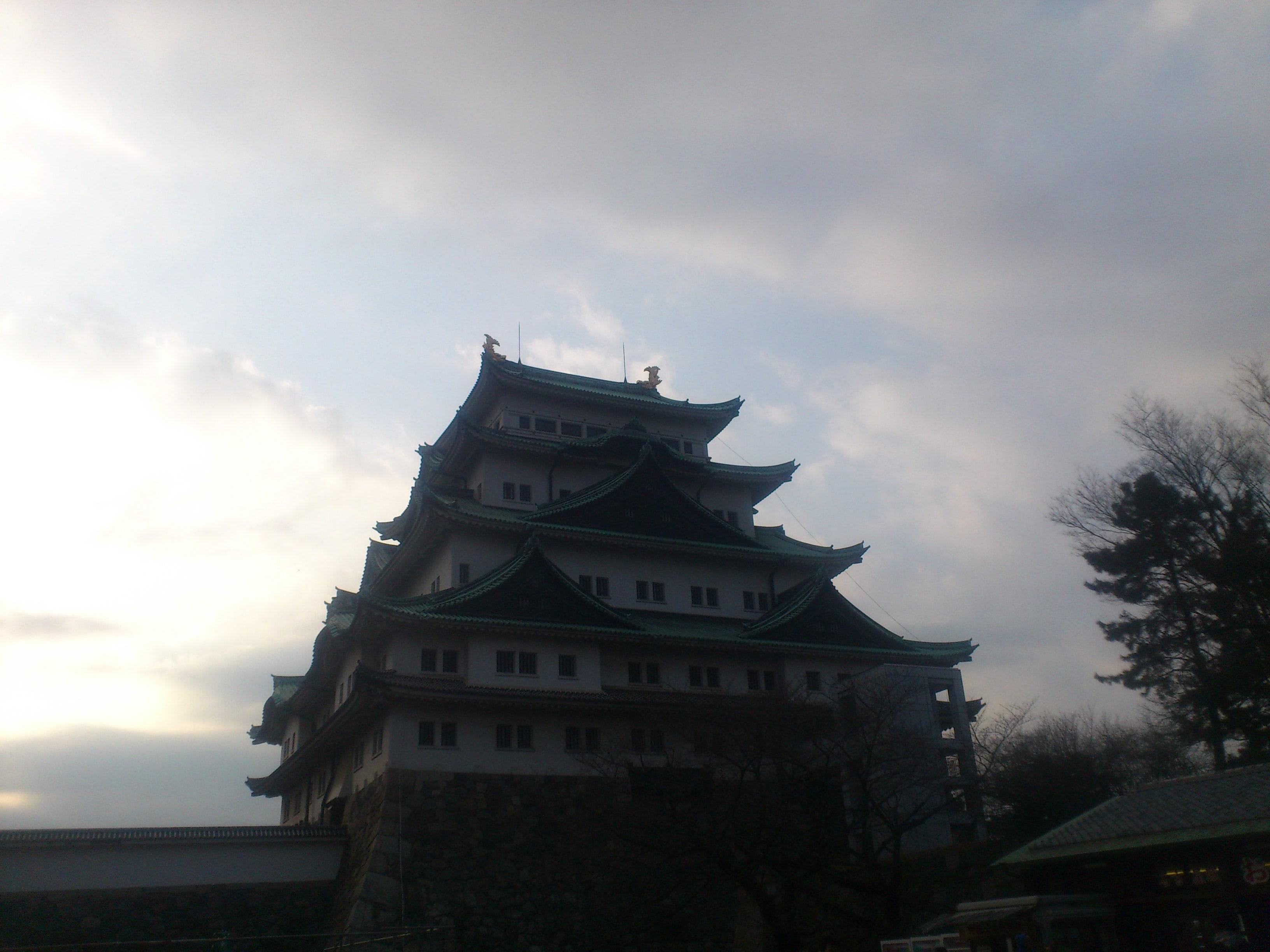 夕暮れの名古屋城