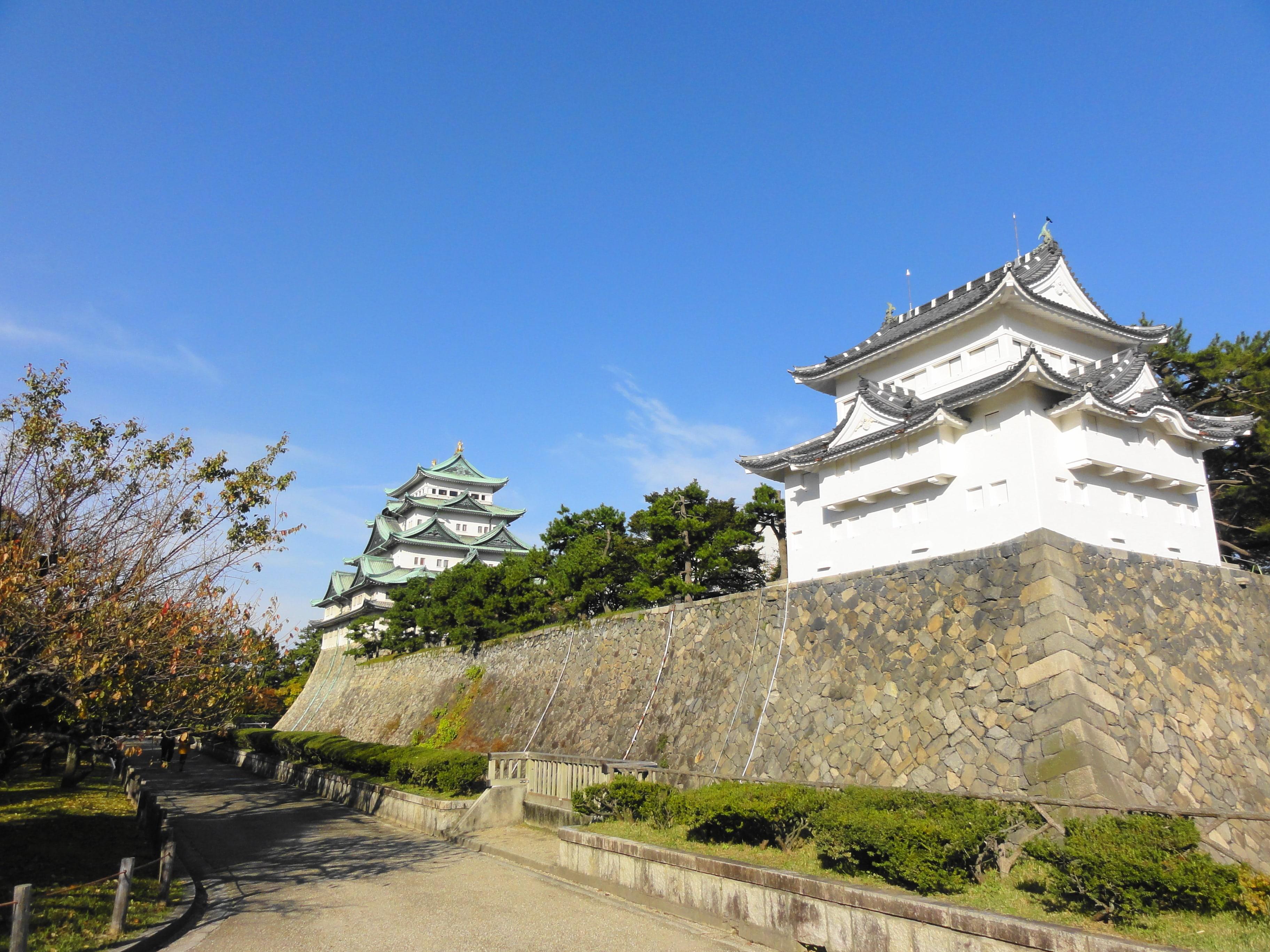 名古屋城大天守閣と西南隅櫓