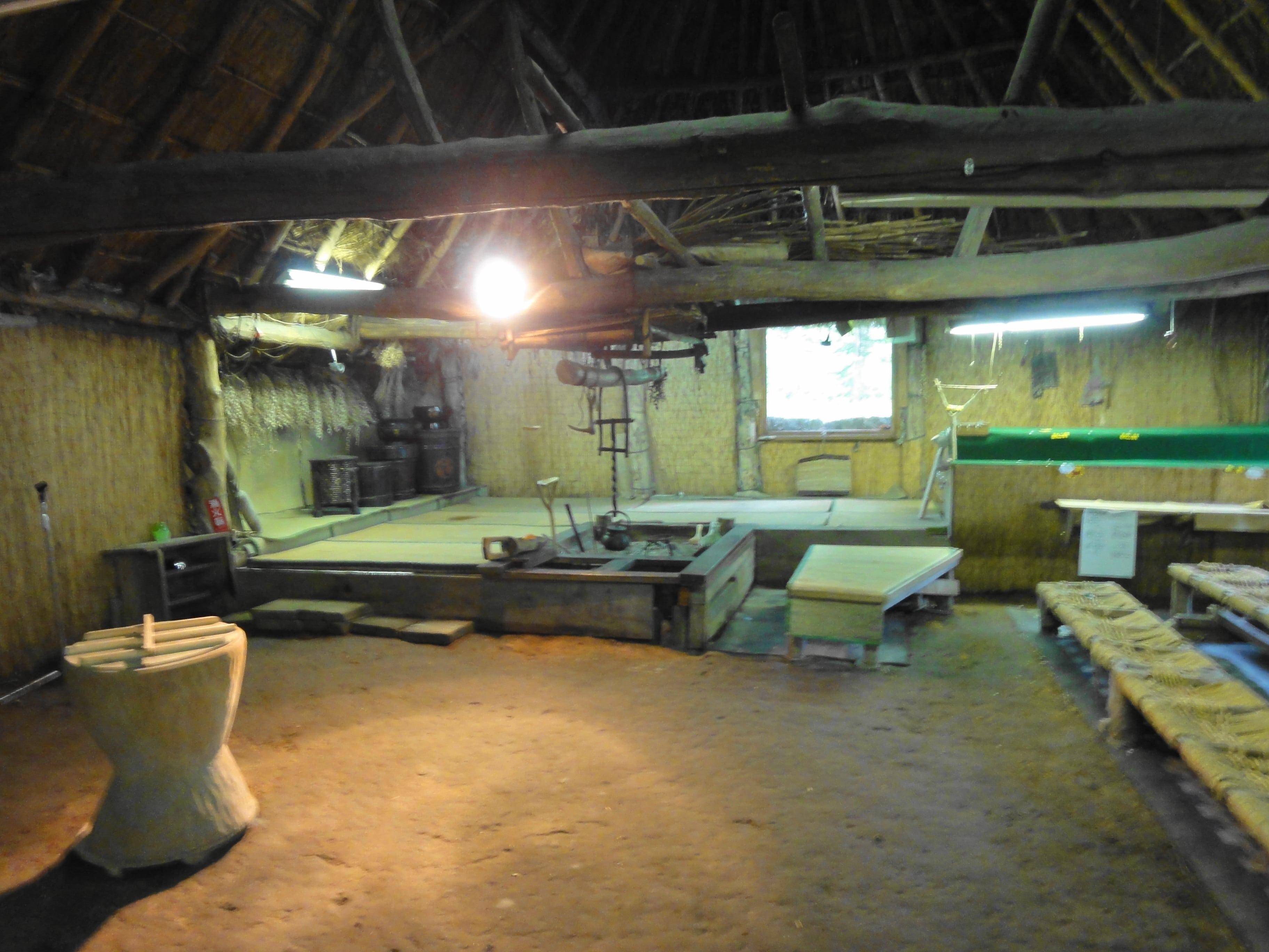 のぼりべつクマ牧場の家屋展示内部