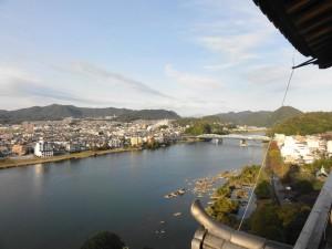 犬山城からの眺め-桃太郎神社はこっちか