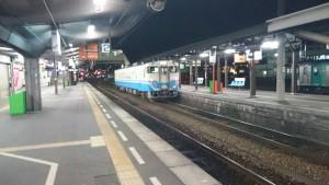 夜の徳島駅-2番ホーム